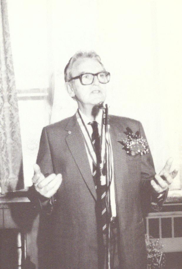 1988년 정년퇴임식.png